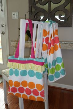 An easy Smart Fab sewing project: homemade bags - perfect for the beach, library, homework and more!