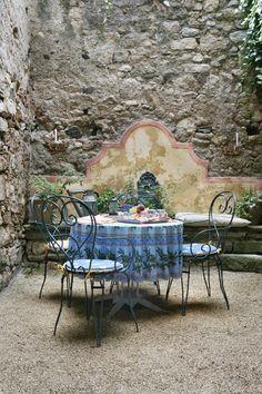 Al fresco, Caunes-Minervois, Languedoc, France