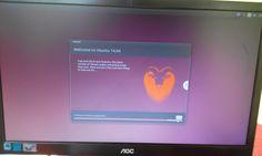 Después de todos los pasos realizados vemos que ya se esta instalando el Ubuntu