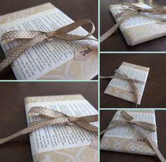 Ideas geniales para envolver libros:  Empaqueta tu libro de regalo con una reseña o el primer capítulo del libro