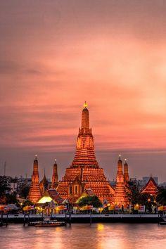 Wat Arun at Sunset - Bangkok | Thailand