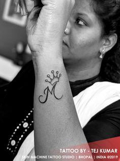 M Tattoos, Girly Tattoos, Badass Tattoos, Hand Tattoos, Finger Mehendi Designs, Mehndi Art Designs, Mehndi Designs For Hands, Rose Tattoos For Women, Small Tattoos For Guys