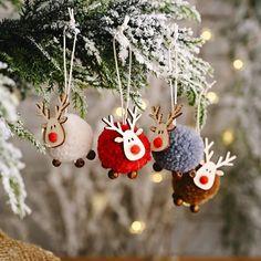 Unique Christmas Trees, Christmas Tree Toy, Diy Christmas Ornaments, Simple Christmas, Handmade Christmas, Holiday Crafts, Rustic Christmas, Diy Christmas Projects, Christmas Pom Pom Crafts