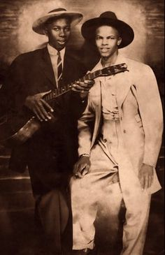 blues legend Robert Johnson and his friend, Johnny Shines Robert Johnson, Delta Blues, Jazz Blues, Blues Music, Blues Artists, Music Artists, Instrumental, Mississippi, Johnny Shines