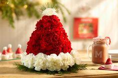 santa-hat-floral-arrangement-centerpiece