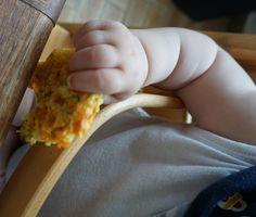 breifreibaby isst Gemüsewaffel