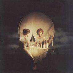 Optical Illusion Mirror Skull