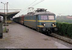 RailPictures.Net Photo: SNCB/NMBS 2225 SNCB/NMBS Brugeoise-Nivelles Series 22 at Bruges, Belgium by Charles Freericks