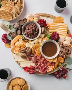 Best Cheese, Meat And Cheese, Charcuterie Plate, Cheese Pairings, Cheese Dishes, Fruit Jam, Cheese Lover, Melted Cheese, Brown Butter