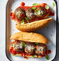 Eggplant-Mushroom Meatball Sub // 4 Vegetarian Sandwich Recipes That Will Make You Forget About Meat Mushroom Meatballs, Meatless Meatballs, Eggplant Meatballs, High Protein Vegetarian Recipes, Vegan Recipes, Vegetarian Meals, Vegan Ideas, Healthy Sandwiches, Vegetarian Sandwiches
