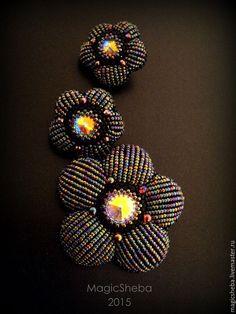 """Купить Серьги и брошь """"В сумерках"""", черно-радужный цветок (по мотивам) - комбинированный, черный"""