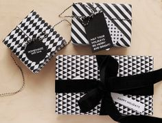 free-wrapping-paper-printable-DIY-Craft-Line-Graphic