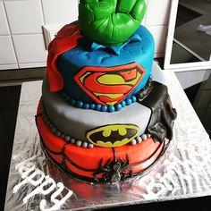 #superheroes #cakes #spiderman #batman #superman #hulk #superhelden #torte
