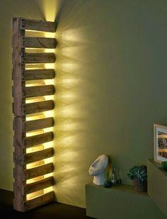 Lámpara empotrada a la pared con un solo palet | Muebles de Palets