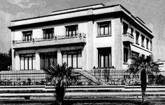 En 1946 el matrimonio Azcárraga / Tamayo, adquirió un magnífico predio de poco más de 2,300 m² en la esquina de las avenida Campos Elíseos y Julio Verne, justo frente al Obelisco del fraccionamiento Reforma-Polanco y encomendaron al arquitecto Vladimir Kaspé la edificación de una casa de aproximadamente 2,000 m² construidos. Demolida en 2007.