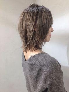 マッシュウルフ_ボブディ/nok 銀座【ノク】をご紹介。2019年春の最新ヘアスタイルを300万点以上掲載!ミディアム、ショート、ボブなど豊富な条件でヘアスタイル・髪型・アレンジをチェック。 Choppy Bob Hairstyles, Mom Hairstyles, Layered Haircuts, Short Thin Hair, Short Hair Cuts, Medium Hair Styles, Long Hair Styles, Shot Hair Styles, Hair Arrange