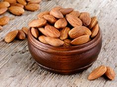 The Health Benefits of Almond is important for us to know. As soon as the name of almond comes, all the benefits come to your mind. Protein Rich Snacks, Healthy Bars, High Protein Recipes, Healthy Recipes, Healthy Fruits, Easy Recipes, Health Benefits Of Almonds, Almond Benefits, Almonds Nutrition