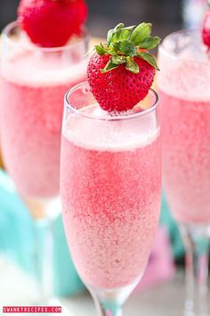 Strawberry Cream Mimosas - Bubbly sparkling champagne with refreshing raspberry and strawberry frozen cream sweetened with Sweet'N Low make this the ultimate brunch beverage. would be a nice Easter brunch drink Party Drinks, Cocktail Drinks, Cocktail Recipes, Drink Recipes, High Tea Recipes, Brunch Recipes, Wine Parties, Margarita Recipes, Donut Recipes