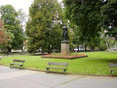 Bronzová socha Boženy Němcové Sidewalk, Bronze, Side Walkway, Walkway, Walkways, Pavement