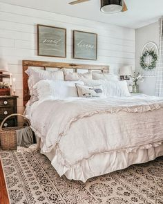 30 creative bohemian bedroom decor ideas 44 « Home Decoration Farmhouse Style Bedrooms, Farmhouse Bedroom Decor, Master Bedroom Design, Home Bedroom, Bedroom Ideas, Rustic Bedroom Design, My New Room, Beautiful Bedrooms, Cheap Home Decor