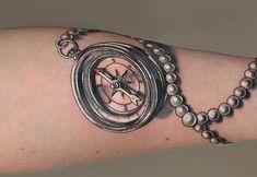 Kompass Tattoos: Ideen und Bedeutungen