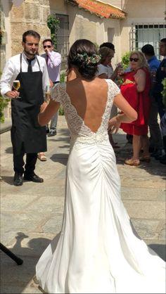 ec2a294a8 Espectacular nuestra novia  innovias Carolina el día de su boda con un  vestido de novia