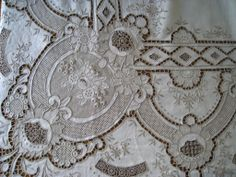 Vintage Embroidery Lace Trim by 1 Yard, White, - Embroidery Design Guide Embroidery Designs, Cutwork Embroidery, White Embroidery, Vintage Embroidery, Embroidery Stitches, Fabric Embellishment, Drawn Thread, Shabby, Vintage Tablecloths