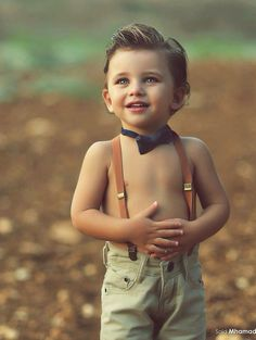 Children's outdoor photography, little boy with braces is so adorable