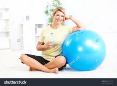 Fitness Woman With A Bottle Of Spring Water Stock Foto 65134117 : Shutterstock