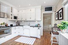 Bildlista Kitchen Cabinets, Home Decor, Decoration Home, Room Decor, Cabinets, Home Interior Design, Dressers, Home Decoration, Kitchen Cupboards