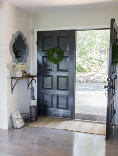 small+entry+shelf+and+mirror%2C+painted+door.jpg (650×857)