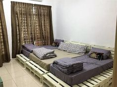 If you want to add your living room with the cheap yet eye-catching bed design, then having a taste of wood pallet in your bed frame design is one of the finest ideas. If you would give a look over this image, then it would merely be offering you with the awesome piece of bed as designed with wood pallet!