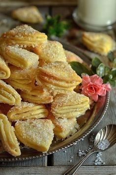 Shortbread cookies from cottage cheese - the sky on the plate Baking Recipes, Cookie Recipes, Dessert Recipes, Healthy Dishes, Healthy Recipes, Polish Desserts, Cooking Prime Rib, Pie Dessert, Recipe For Mom