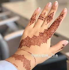 BRIDAL MEHNDI DESIGNS images 2020 now I am shared with you latest HD Quality Mehendi designs pictures for you now just check out this collection of designs. Finger Henna Designs, Mehndi Designs 2018, Modern Mehndi Designs, Mehndi Design Pictures, Mehndi Designs For Fingers, Beautiful Mehndi Design, Bridal Mehndi Designs, Henna Tattoo Designs, Mehandi Designs