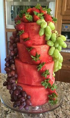 Waterelon Cake with Fruit Comida Picnic, Fruits Decoration, Fruit Buffet, Fruit Birthday Cake, Fresh Fruit Cake, Watermelon Cake, Good Food, Yummy Food, Food Garnishes