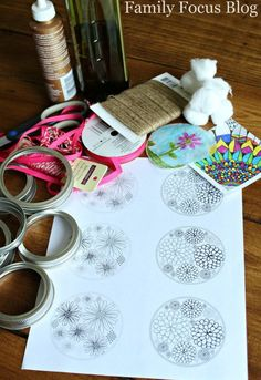 Mason Jar Lid Suncatchers Cute DIY Gifts Kids Can Make is part of Older Kids Crafts Jars - These mason jar lid suncatchers are a great craft to do with kids of any age They are quick enough to keep the attention of the little ones and older kids can… Jar Lid Crafts, Mason Jar Crafts, Stick Crafts, Mason Jar Lids, Mason Jar Candles, Scented Candles, Diy Gifts For Kids, Crafts For Kids To Make, Kid Craft Gifts