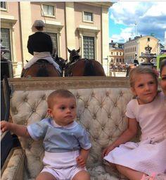 Prince Oscar et Princesse Estelle, 14 juillet 2017, Cortège dans les rues de Stockholm pour les 40 ans de la Princesse Victoria