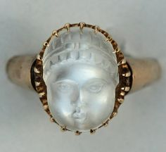 Antique Gold Carved Moonstone Ring
