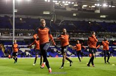 LONDON, ENGLAND - NOVEMBER 19: Harry Kane of Tottenham Hotspur warms up with team mates prior to the Premier League match between Tottenham Hotspur and West Ham United at White Hart Lane on November 19, 2016 in London, England