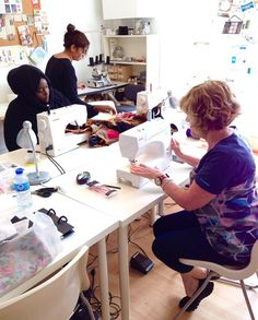 Our 4 day dressmaking course is coming to an end and our students are finishing off their skirts to take home 👌🏼 #fashionstudent #bricklane #fashionschool #dressmaker #create #teach #sewingproject #makeyourownclothes #memadeeveryday #sewingblogger #sewingproject #sewcialists #handmade #handmadewardrobe #ilovelondon #isew #londonlife #seamstress #londonmum #diyfashion
