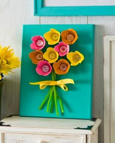 If you need an easy kids' craft idea with great results, this egg carton art is fun and sure to please. Just add Sparkle Mod Podge. art crafts EASY Egg Carton Art on Canvas (for Kids) - Mod Podge Rocks Kids Crafts, Preschool Crafts, Easter Crafts, Crafts To Make, Holiday Crafts, Craft Projects, Craft Ideas, Family Crafts, Project Ideas