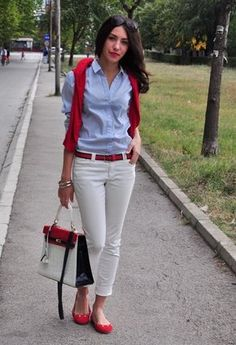 When you're searching a casual combo, mix a red shirt with white pants. With a pair of red flats the outfit is all done. Blue Shirt Outfits, Casual Outfits, Fashion Outfits, Work Outfits, Fashion Clothes, Casual Wear, Blue Shoes Outfit, Light Blue Shoes, Black Skinny Pants