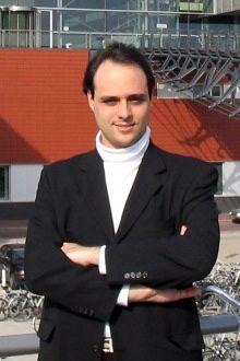 Juan Manuel Abras Contel (también escrito Arbres; 1 de febrero de 1975) es un compositor de música clásica, director de orquesta e investigador argentino nacido en Suecia, de ascendencia europea (catalana y gallega por parte paterna,1 y vasca, italiana y francesa por parte materna2 ).