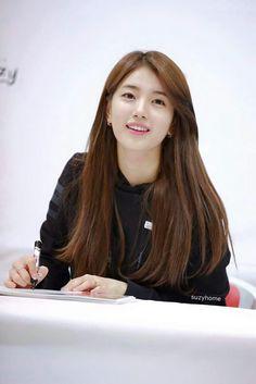 Suzy 171104 K2 Fansign on Gwangju