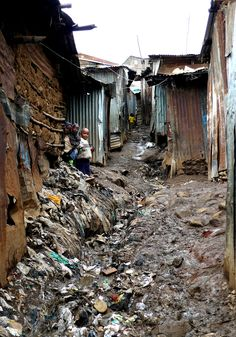 Nairobi (Kenya) - Mathare Valley Slum by Danielzolli We Are The World, People Around The World, Around The Worlds, Paises Da Africa, East Africa, Nairobi, World Poverty, Thinking Day, Slums