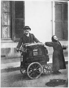 Okay, this is not my real family. It is a photo by famous photographer Eugene Atget. But my great-great-grandmother Roosje Zwart was a jewish streetartist/singer, so i like to think this is her :) ~MO~