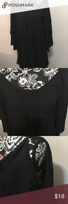 Vijo Couture black cold shoulder blouse Absolutely stunning black blouse Couture. It will fit a curvy voluptuous sz 10 or Large. Prices to sell One of a kind Tops Blouses
