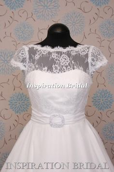 1549 short uwedding dress Tea Length delicate lace with cap sleeves Loulou