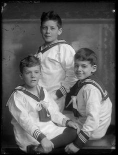 Three boys in sailor suit, photo studio Merkelbach Amsterdam 1918