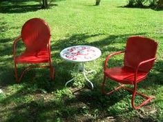 Love the metal chairs Antique Metal Lawn Chairs   Vintage Lawn Chairs   Pinterest  . Antique Motel Chairs. Home Design Ideas